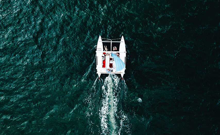 Alquiler de catamaran para recorrer cala a cala