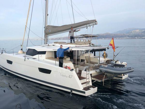 saona 47 alquiler de catamaranes