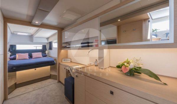interior catamaran saona 47
