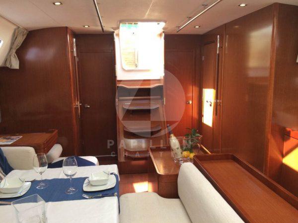 velero interior oceanis 50 alquiler de veleros en ibiza