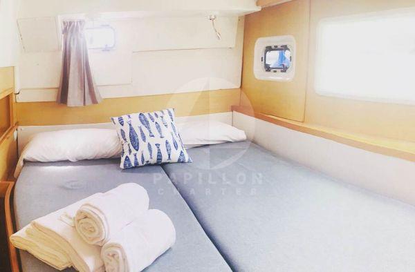 cabina lagoon 400