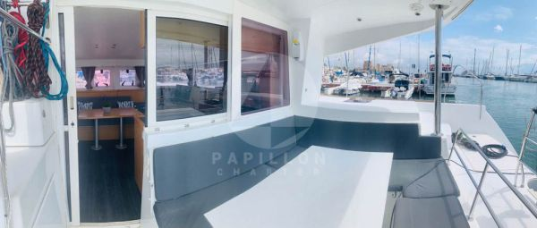 alquiler de catamaran Ibiza exterior