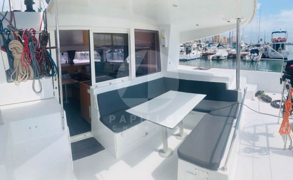 alquiler catamaran ibiza exterior bañera lagoon 400